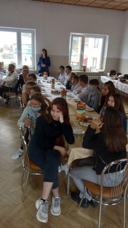 http://szkola.ealeksandrow.pl/files/pl/IMG-20200929-134223.jpg?noc=1601487843