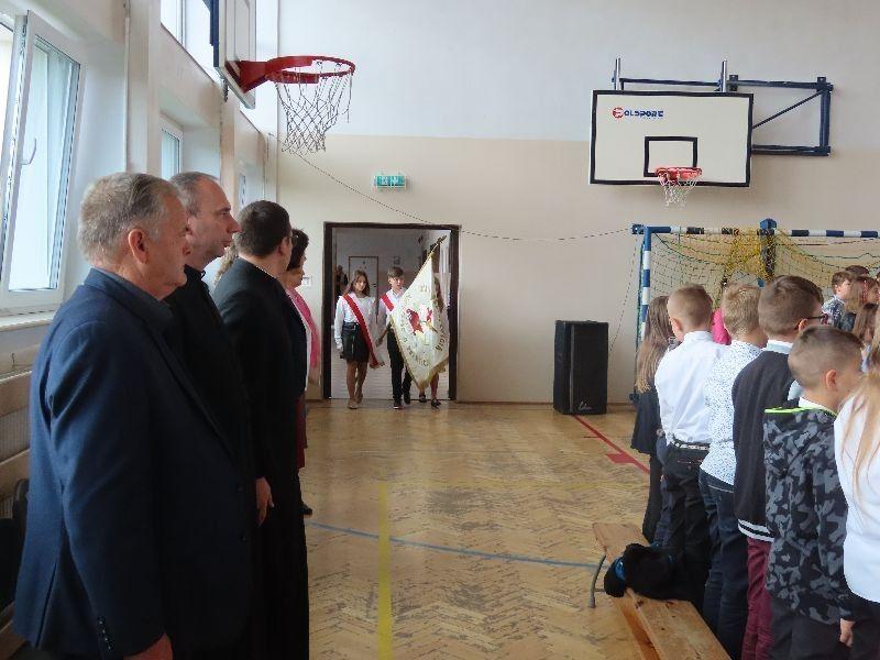 http://szkola.ealeksandrow.pl/files/pl/IMG-1735.JPG?noc=1630589481